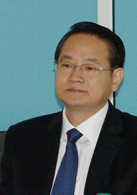 Yi Lianhong