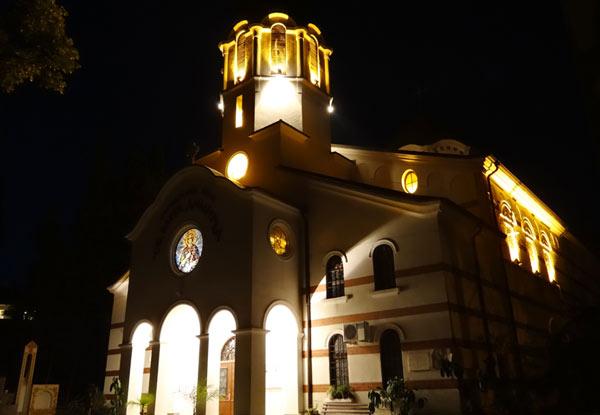 Лайънс клуб Стара Загора - Тракия дари външно осветление на храма Св. Димитър, снимки: Емил Енчев