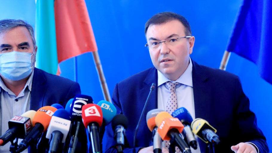 министърът на здравеопазването проф. Костадин Ангелов