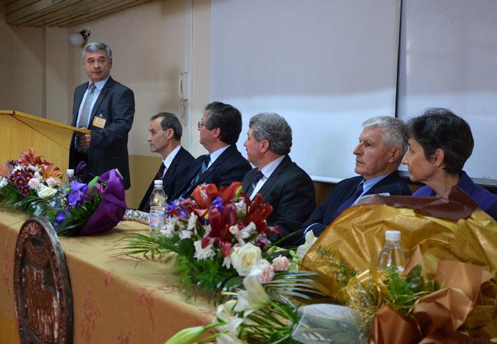 Приветствие към участниците във форума отправи председателят на Търговско-промишлена палата - Стара Загора Олег Стоилов