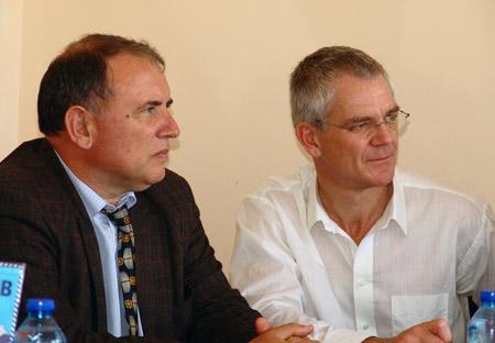Д-р Георги Узунов, директор на Дом за медико-социални грижи за деца и д-р Бруно Франие