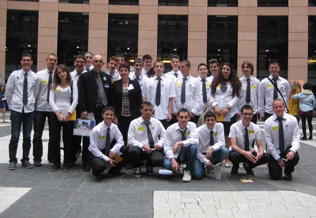 Отборът на ПГЕ Джон Атанасов от Стара Загора по време на Евроскола в Страсбург