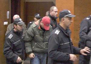 3-ма полицаи от Стара Загора отиват в ареста