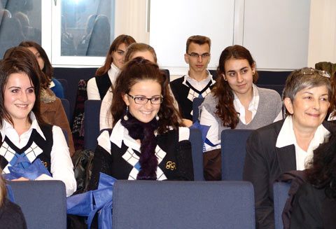 Старозагорските ученици се срещнаха с евродепутатите Илиана Иванова и Мария Неделчева
