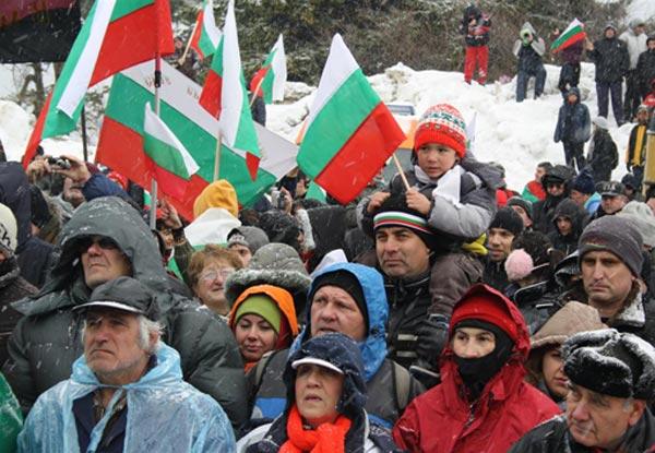 Хиляди се качиха на връх Шипка